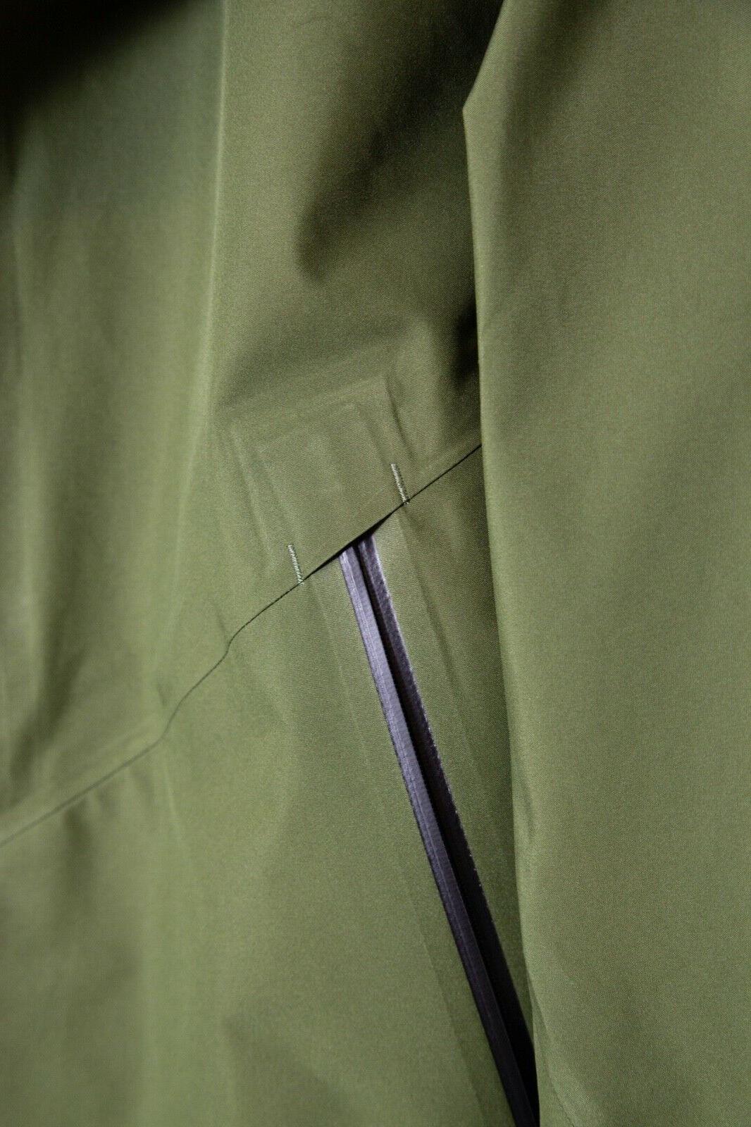 Goldwin Gore-Tex Men's Jacket New Olive Green